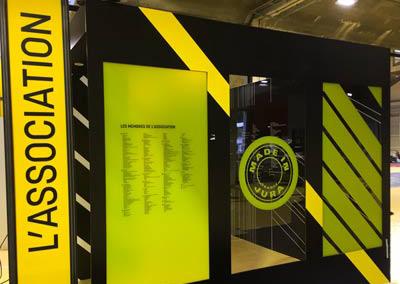 Lettre découpée, décor vitrine translucide, impression directe sur plexiglass
